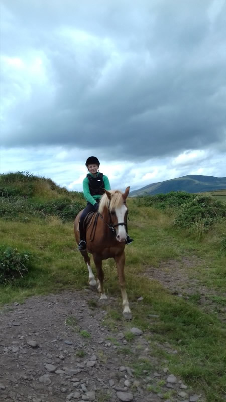 English language and horseriding courses